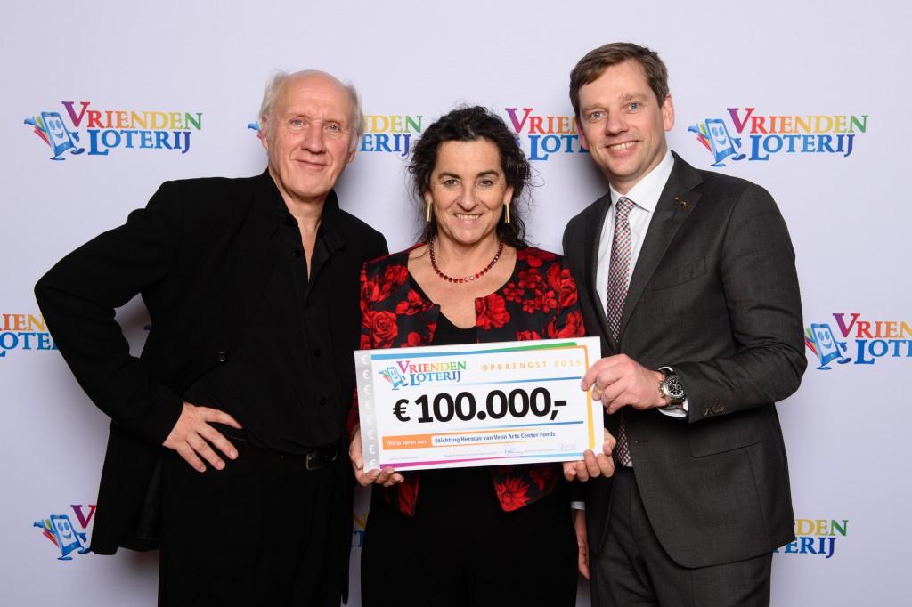 Herman van Veen, Edith Leerkes en Michiel Verboven; managing Director VriendenLoterij